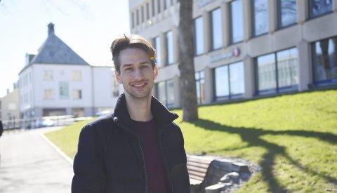 Overrasket: Tom Ole Elgsaas har fått det første talentstipendet fra Christiansund Operafond. Neste år kommer kristiansunderen hjem for å dirigere 17. mai-konserten til Kristiansund symfoniorkester.