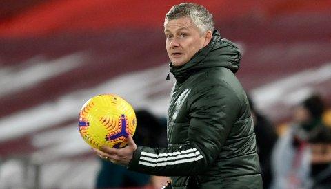 – Solskjær ses ikke på som en Pep Guardiola eller Jürgen Klopp. I stedet, for en eller annen grunn, ses han på mer som en gymlærer. Det er feil, sier Chris Sutton til Daily Mail.