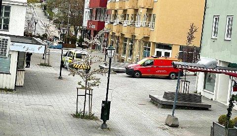 Politi og brannvesen rykket ut til Langveien ungdomsskole torsdag kveld.