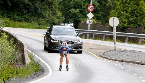 Debatt: Dette bildet av langrennssprinteren Sindre Bjørnestad Skar skapte debatt om rulleskiløpere i fjor. Foto: Trine Jødal