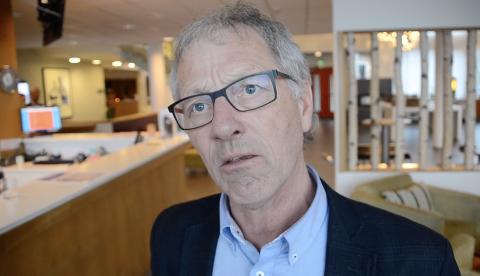 Varafylkesordfører Tore Askildsen (KrF) lukket dørene i fylkestinget da politikerne skulle få vite mer om konsekvensene av at Sira-Kvina har krav på en solid tilbakebetaling fra fylkeskommunen.