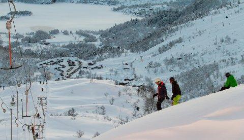 Slik ser det ut i Eikedalen nå. Lørdag varsler meteorologen om nok en dag med godvær. Søndag blåser det opp.
