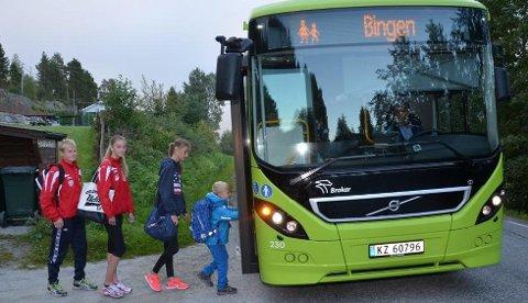 SKOLE I SKOTSELV: Nok en gang har politikerne fredet Bingen-elevene. Bildet er tatt forrige gang saken var aktuell.