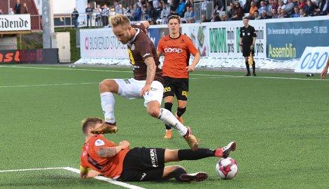 DEBUTERTE: Tonny Brochmann gjorde en bra kamp mot Åsane, men kunne fort fått en enda bedre start på tiden i MIF. Dansken kom nemlig til et par gode sjanser, men det endte med poengdeling på Isachsen Stadion.