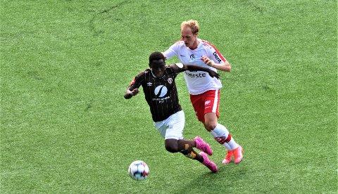Frank Bamenye fikk tillit fra start mot Fredrikstad, ble byttet ut til pause, for så å komme in igjen litt ut i andre omgang. Foto Roy Johnsen