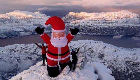 Julenissen på toppen av Hornelen.