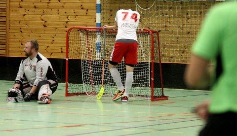 TAP: Keeper Ole Mossin og Filip Halvorsrød henger med hodet etter.