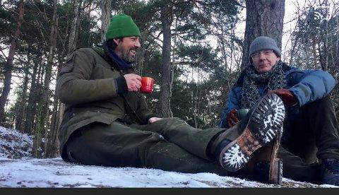 Thomas Malling og kompanjong Sjur Christian Stangebye-Hansen liker seg til skogs og med friluftsliv, noe som står til klokkemodellene deres.