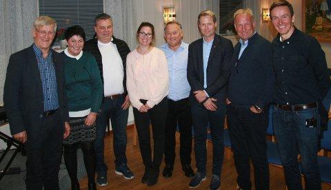 SAMMEN FOR GRUA: Halvor Bratlie (fra venstre), Torunn Bjerke, Tore Lynnebakken, Christine Bjerke Brustad, Svein E. Godli, Harald Tyrdal, Håkon Kristiansen og Torstein Brandrud.