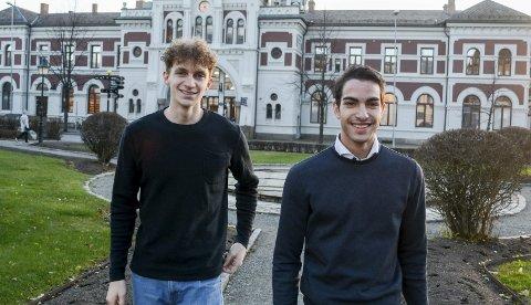 KEISERLIG SATSING: Nicholas Langberg Dwyer og Thomas Skyberg har etablert firmaet Keiser Konsult og ønsker med det å bli en markant aktør i profileringsmarkedet. Særlig ønsker de å gi russen et rimeligere og bedre tilbud enn det som finnes i dag.