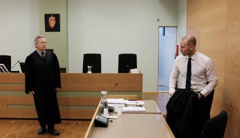 Politiadvokat Thor Buberg (t.v.) og advokat Thomas Nikolai Skeie Nondal.