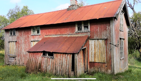 Dette huset står på Levang i Leirfjord og er bygget på slutten av 1800-tallet. Leirfjord kommune har søkt om rivningstillatelse.