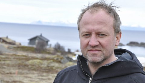 Positivt: Frode Hov ser mange fordeler med å få på plass et overnattingstilbud med god standard på Gimsøy. Både med tanke på golfturister, men også for nordlysturismen.Foto:Øystein Ingebrigtsen