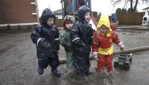 Stusser: – Hvorfor er det ikke lov å tjene penger på skole når det er tillatt i barnehagen, spør Royne Berget. foto: erik hagen