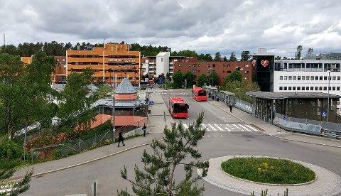 """Her kommer snart nye Holmlia senter, klar for å tilby fred til bedriftseiere i """"krig"""" på Nordstrand."""