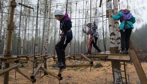 ÅPNER TIL HELGA: Med egne smittevernprosedyre på plass kan Gjøvik klatrepark åpne for sesongen.