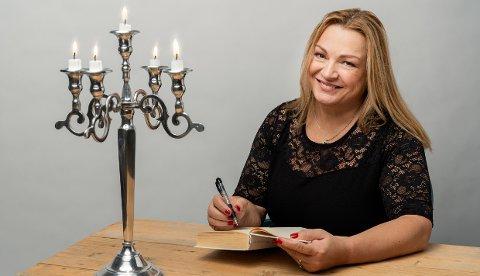 """MÅ AVLYSE: Myriam Halden Bjerkli kan ikke ha boklansering for hennes nye krimroman, """"Engelens fall"""", heller. Det er den tredje lanseringen hun måtte avlyse."""