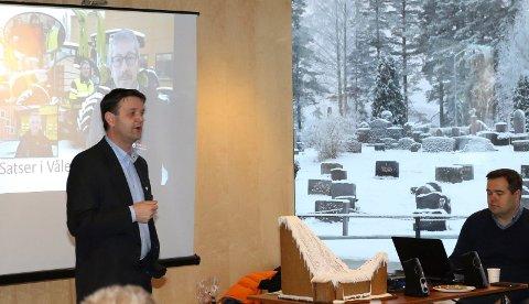 MYE SKJER: –  Det skjer mye spennende i det lokale næringslivet. Og mer kan vi få til, sa Åsnes-ordfører Ørjan Bue. Til høyre daglig leder i Solør Næringshage, Thor Arnstein Berg.