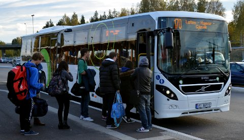 STADIG FLERE PASSASJERER: 170-bussen mellom Elverum og Gjøvik via Hamar og Brumunddal får stadig flere passasjerer, men heller ikke den kjørte i påsken og skal heller ikke gjøre det 1. pinsedag og etter klokka 16 pinseaften.