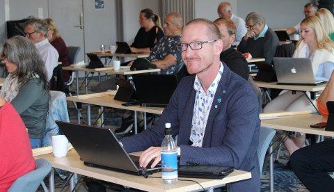 Dette bildet av Karsten Tønnevold Fiane tok PD av ham under kommunestyremøtet på Skjærgården hotell torsdag. Noen minutter etterpå ble Karsten dårlig og måtte forlate salen.