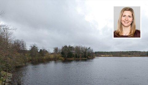 FORSKER PÅ ALGER: Stipendiat ved NMBU, Camilla Hagman, forsker på en algeart i Skjeklesjøen.