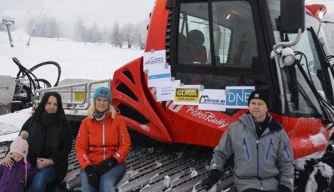Viktig støtte: Alpingruppa, her ved Hege C. Nikolaisen, leder Marianne Frantzen og Jørn Ringen er glad for støtten fra sponsorer til å kjøpe ny tråkkemaskin til 1,5 millioner. Betonmast Innlandet bidro også.