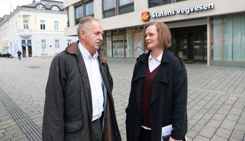 Olav Skinnes (Sp) og Anne Sandum (Ap) vil ha tilbakemeldinger fra kommunene om vegvesenets forslag til handlingsprogram.