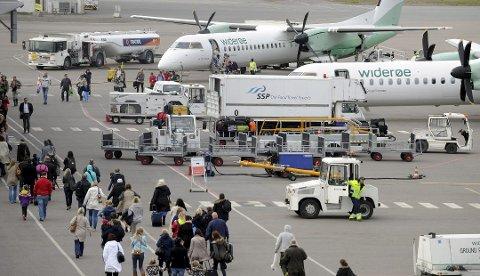 FLYTTET UTENLANDS: 300 sandefjordinger flyttet utenlands i årets tre første måneder. Dette bildet er tatt på Torp ved en annen anledning.