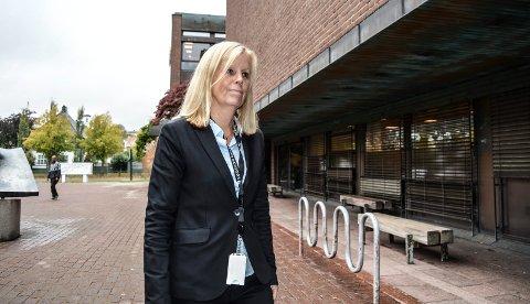 NY I JOBBEN:  – Jeg synes ikke ansvaret er skremmende, vil heller si at dette er spennende, sier Annette Finsveen, kommunalsjef for HR og Utvikling i Sandefjord kommune.