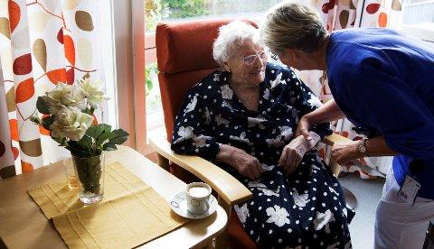 Sykepleiere og pleiemedarbeidere er blant dem som har mest sykefravær.