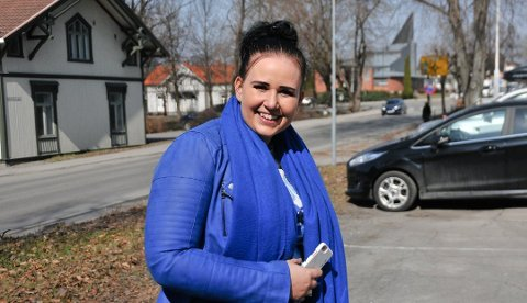 VIL RYDDE OPP: Helene Røsholt i Høyre har selv kranglet med parkeringsvakta på Lie, og mener de rigide bøtene skader næringa i sentrum.