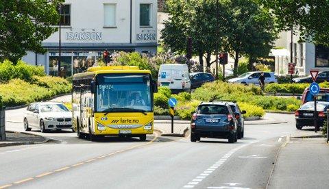 Bussen: Flere turmål åpenbarer seg få meter fra bussholdeplassene i Grenland, melder DNT Telemark.