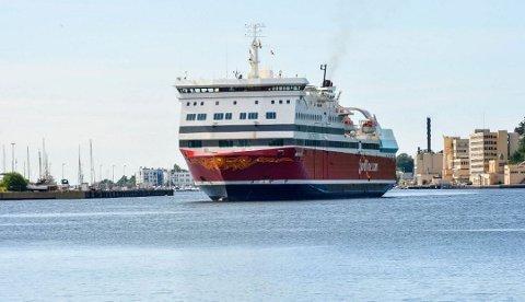 NY RUTE: I påvente av at Fjord Lines MS Oslofjord kan seile mellom Sandefjord og Strømstad, setter rederiet skipet nå inn på ruten mellom Langesund og Hirtshals.