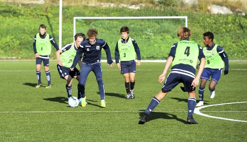 Har trent godt: Det var praktisk med høstferie for Oskar Sivertsen og KBKs guttelag denne uka. Søndag spiller nordmøringene mot Vålerenga i fotball-NM.