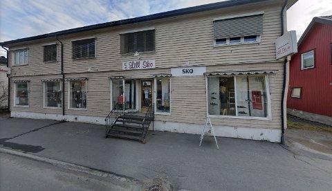 TRADISJONSRIK: Butikken i Storgata 42 på Raufoss har en lang historie. Nå er den snart over.