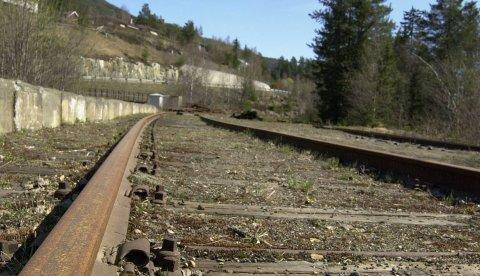 Skinnegang: Blir det slik at skinnene blir fjernet langs hele den tidligere Valdresbanen? Saka var oppe i fylkesutvalget 22. oktober.