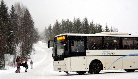 SKOLESKYSS: I Valdres er det hver skoledag 1500 elever som får spandert transport mellom hjem og skole.