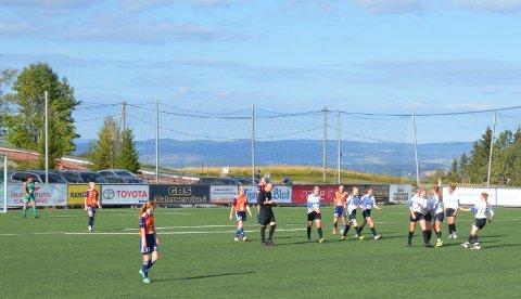 Mål: Hedda Hauge Belgum utliknet for Valdres FK mot Vind i andre omgang.