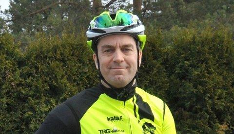 UTSATT:Leder Johan Conradson i CK Nittedal tar sine forholdsregler for å sikre sykkelen. Arkivfoto
