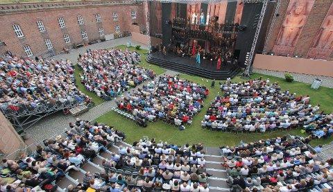 Historisk: Borggården forvandles til kinosal om fire uker og vil gi plass til 1000 mennesker, eller flere, hvis behov. arkivfoto
