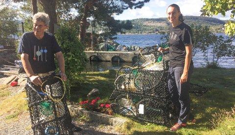 KARTLEGGE: Elina Lungrin fra NMBU, som har skrevet masteroppgave om sjøørret og laks, og Odd Sørensen fra SOS-Oslofjorden er blant bidragsyterne når kartleggingen av hummer i Drøbaksundet skal gjennomføres.