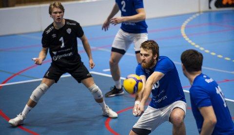 Fem leger med volleyball-bakgrunn ønsker at eliteserien tar en pause mens koronaen herjer vilt.