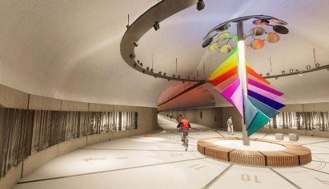 Nå skal den nye gang- og sykkeltunnelen mellom Minde og Fyllingsdalen innredes med farger, grafikk og lys .