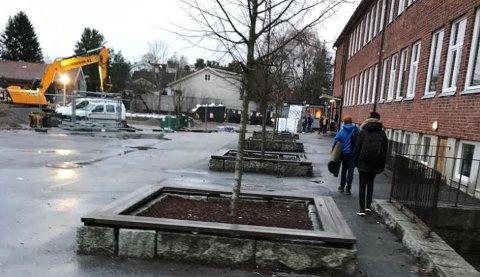 Uten vann: Byggearbeider på Gressvik ungdomsskole har ført til at vannet forsvant mandag ettermiddag. Tirsdag ble alle elevene sendt hjem.