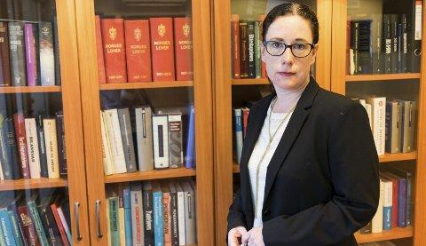 Kritisk: Bistandsadvokat, Lina Therese Remlo, til fornærmede i saken er kritisk til politiets etterforskning i saken. Hun mener det har gått for lang tid fra voldtekten fant sted, til saken er ferdig etterforsket. Foto: Andreas Haakonsen