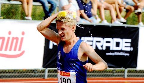 Petter Johansen og 10.000-meterløperne hadde en varm og stri tørn under NM på Hamar.