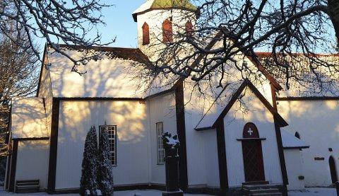 SKAL ANSETTE: I løpet av våren skal det ansettes ny prest som blant annet skal virke i Lunner kirke. Arkivfoto