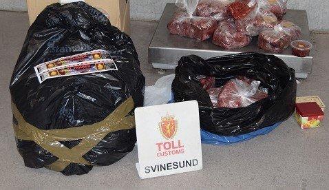 ULOVLIG: Frukttobakken som tollerne på Svinesund avdekket, ble funnet i en norskregistrert bil. Føreren var fra Syria.
