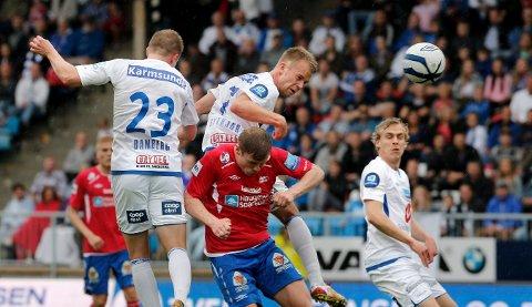 SCORET HAT-TRICK: Christian Gytkjær knuser Harald Vindenes i duellen og setter inn en av sine tre mål da FKH sist møtte FKH i cupen.