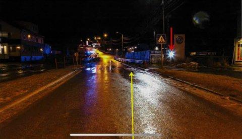MØRKT: Det var slik forholdene var i Bossekop da en 81 år gammel mann ble påkjørt i november 2018. Dette bildet tok politiet da de etterforsket saken.